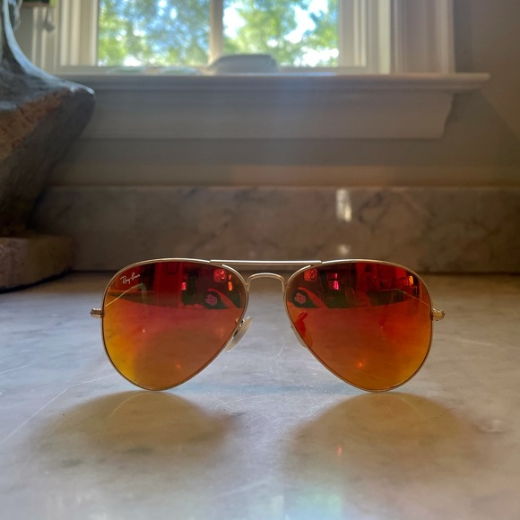 Gold Ray-Ban Aviator Large Metal glasses (RB3025)